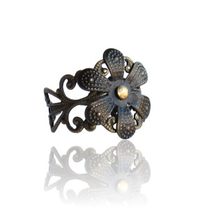 Gothic Flower Ring - front 3